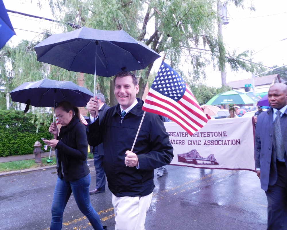 On May 29, 2017, Assemblyman Braunstein marched in the Whitestone Memorial Day Ceremony & Parade.