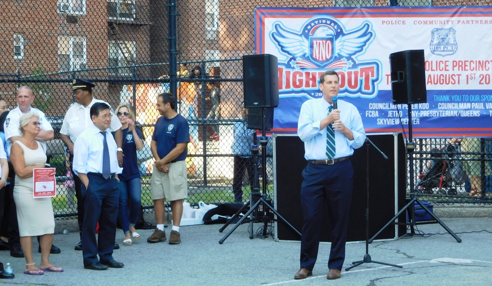 On August 1, 2017, Assemblyman Braunstein attended the 109th Precinct's National Night Out in Flushing.