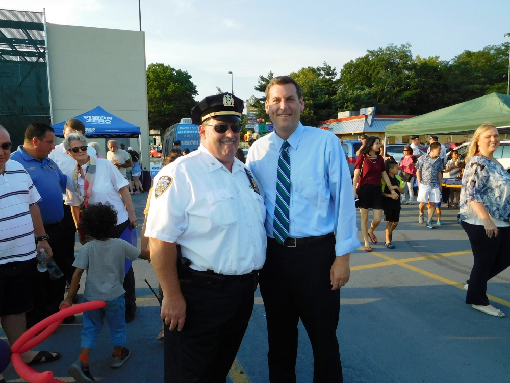 On August 1, 2017, Assemblyman Braunstein attended the 111th Precinct's National Night Out in Douglaston.