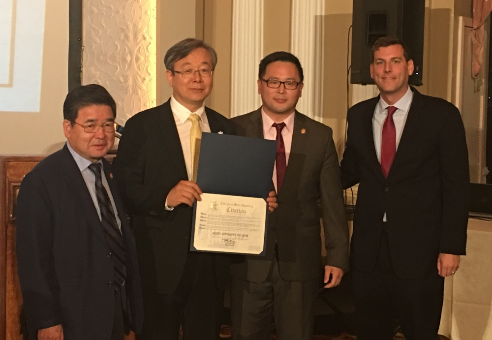 On October 13, 2017, Assemblyman Braunstein attended Korean American Civic Empowerment's 21st Anniversary Gala.