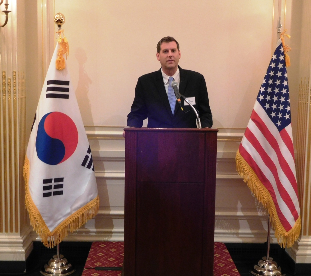 On October 16, 2017, Assemblyman Braunstein attended the National Foundation Day of Korea reception.