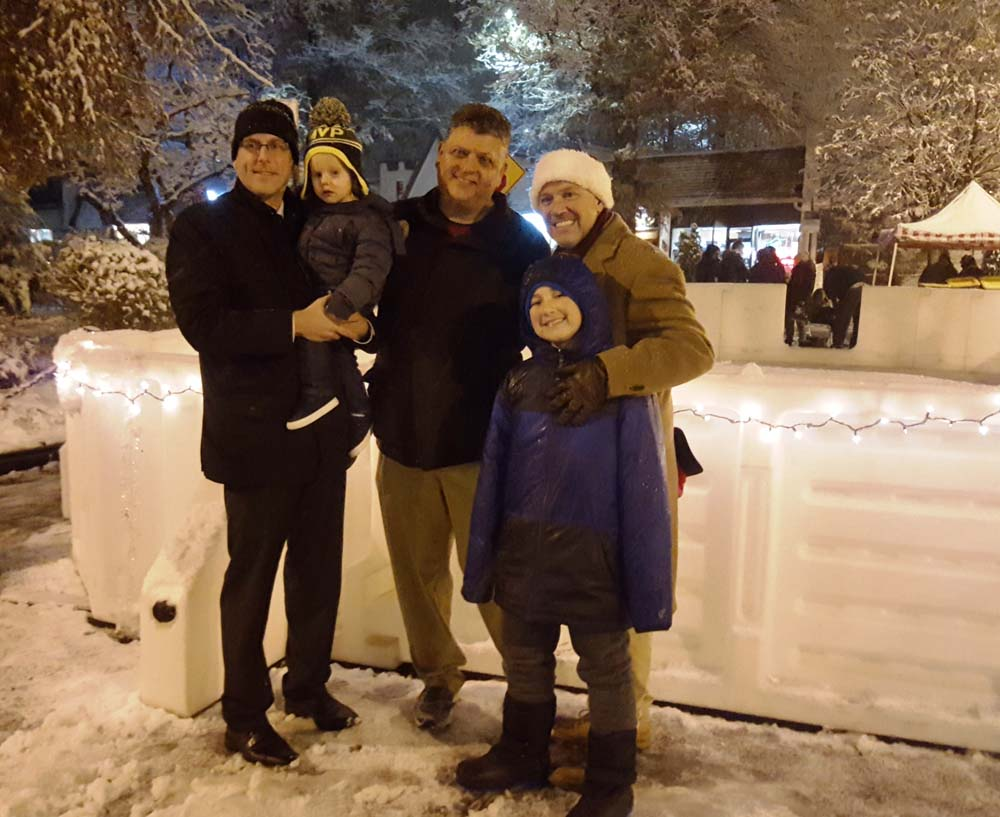 On December 9, 2017, Assemblyman Braunstein attended Douglaston Village's Winter Festival with Council Member Paul Vallone.