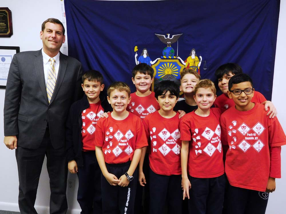 On December 13, 2017, Assemblyman Braunstein met with Sacred Heart Cub Scout Pack 49.