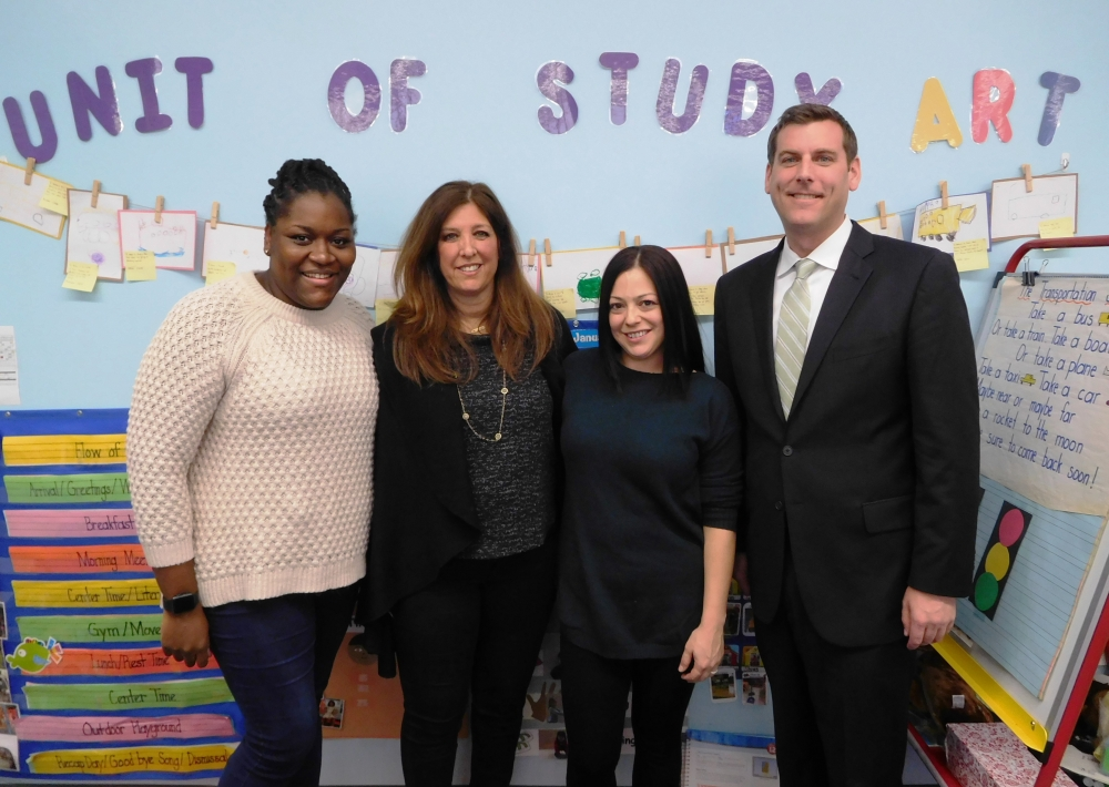 On January 10, 2018, Assemblyman Braunstein visited the School District 25 Pre-K Center in Whitestone.