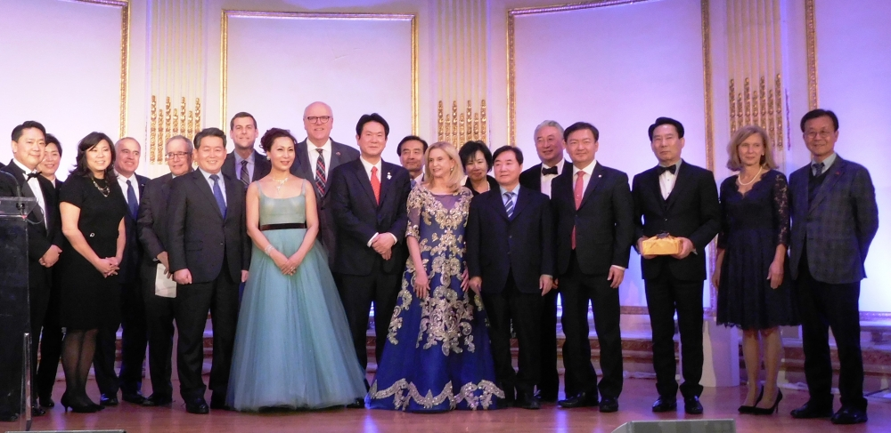 On January 13, 2018, Assemblyman Braunstein attended the Korean American Association of Greater New York's 58th Annual Korean Night Gala.