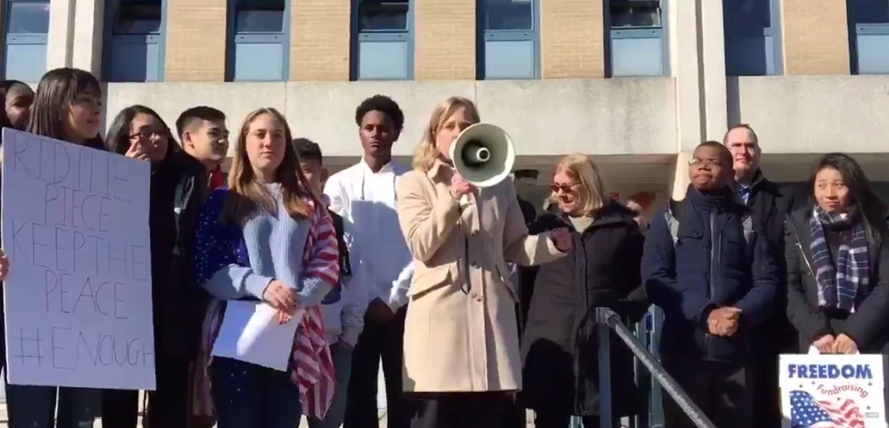 On March 14, 2018, Assemblyman Braunstein's Chief of Staff David Fischer stood in solidarity with hundreds of students from Benjamin N. Cardozo High School, and Borough President Melinda Katz, du