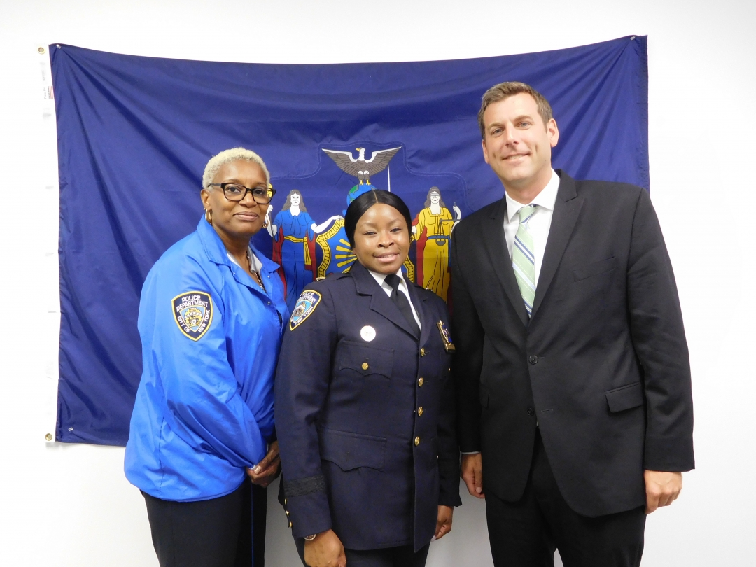 On August 14, 2018, Assemblyman Braunstein met with Deputy Inspector Neteis Gilbert, the new Commanding Officer of the NYPD 105th Precinct, as well as Community Affairs Det. Jovoda Cooper.