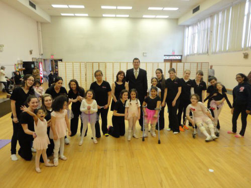 On April 7, 2011, Assemblyman Braunstein visited with Joann Ferrara and the wonderful ballerinas and volunteers of Dancing Dreams. Dancing Dreams offers ballet lessons at Selfhelp Clearview Senior Center to girls with physical and medical disabilities.