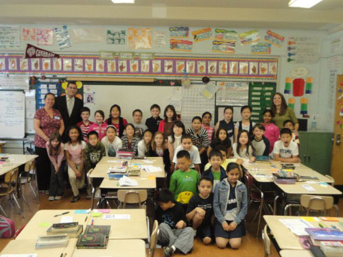 Assemblyman Braunstein spoke to the students of Mrs. Gannon's fourth grade class at PS 209's Annual Career Day on May 20, 2011.