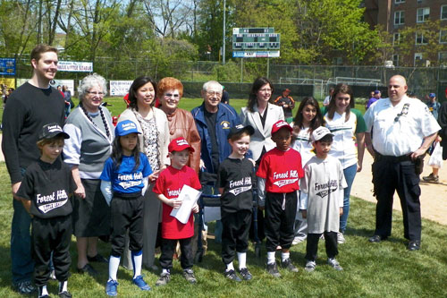 Assemblyman Hevesi was honored to join Abe Miller and other local elected officials to throw an opening day pitch for the Forest Hills Little League.