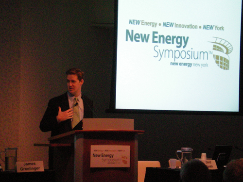 Assemblyman Hevesi delivers keynote address at the fourth annual New Energy Symposium.