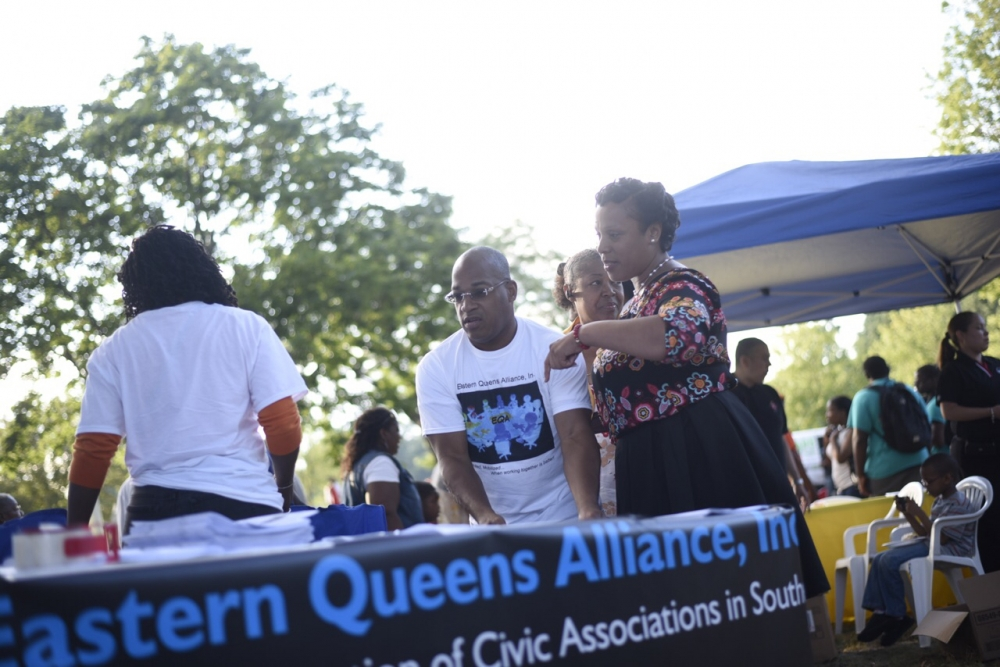Assemblywoman Hyndman stopped by the Eastern Queens Alliance Table during National Night out against Crime<br />