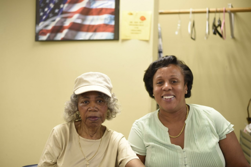 Assemblywoman Hyndman visiting seniors at Rosedale SNAP Senior Center<br />