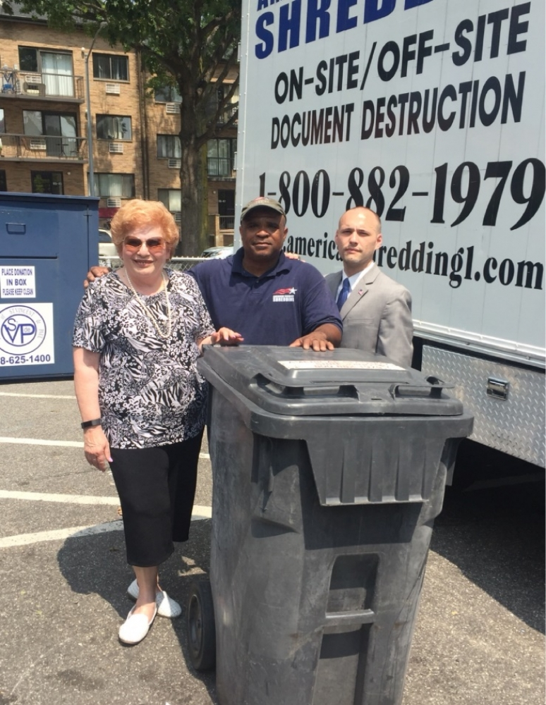 On July 22nd, Assemblyman Barnwell joined colleagues in government to provide free/safe shredding services to Middle Village and the surrounding community.<br />