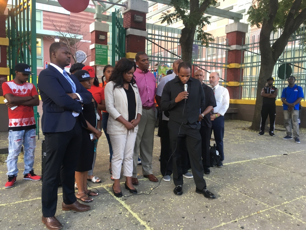 Assemblymember Bichotte joins Shanduke McPhatter of G-MAAC, Gangstas Making Astronomical Community Changes, in prayer to honor the life of Gerald Cummings who was shot after standing up for his son.<br />