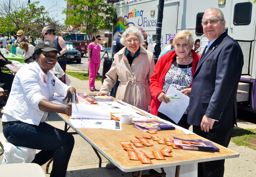 Assemblyman Cymbrowitz meets with some of his constituents at the Brooklyn Public Library�s table during his 12th Annual Lena Cymbrowitz Community Health Fair.