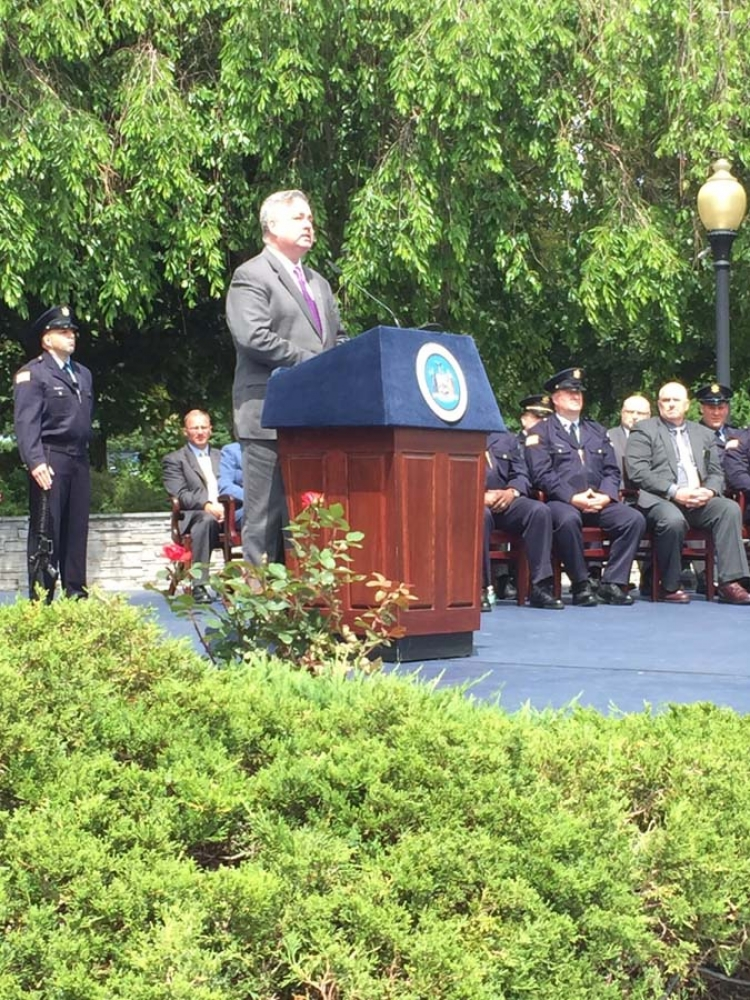Assemblymember O'Donnell speaks at the 2016 Department of Corrections and Community Supervision Commencement Ceremony.
