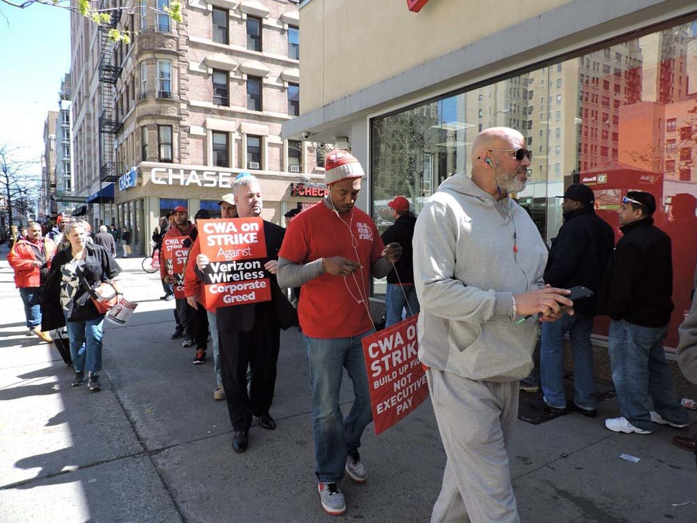 Assemblymember O'Donnell joins Verizon employees in their recent strike.