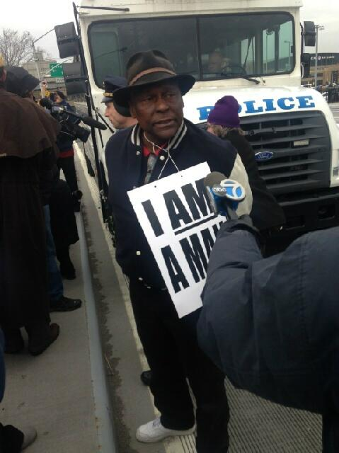 Assemblyman Wright stands proud with members of 1199 32BJ, on Martin Luther King, Jr. Day 2014, to demand fair wages and labor standards for workers at LaGuardia and JFK airports.