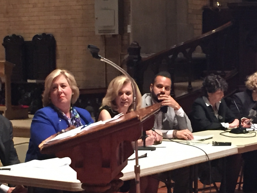 May 21, 2015� Chapel of the Good Shepherd, Roosevelt Island -- Assembly Member Seawright hosted a Roosevelt Island Town Hall.  Roosevelt Island�s Joyce Short, Master of Ceremonies, led the panel with Assembly Member Rebecca Seawright, Congresswoman Carolyn Maloney, State Senator Jose Serrano, Manhattan Borough President Gale Brewer, Council Member Ben Kallos, Homes and Community Renewal�s Ted Houghton, Cornell Tech�s Jane Swanson, RIOC�s Charlene Indelicato and Con Ed�s Caroline Kretz.