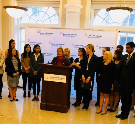 Today, October 27, Assembly Member Rebecca Seawright joined Congresswoman Carolyn Maloney and Congressman Ro Khanna and advocates in opposition to Trump Administration's efforts to take away Title IX protections pertaining to sexual assault on campuses.<br /><br />