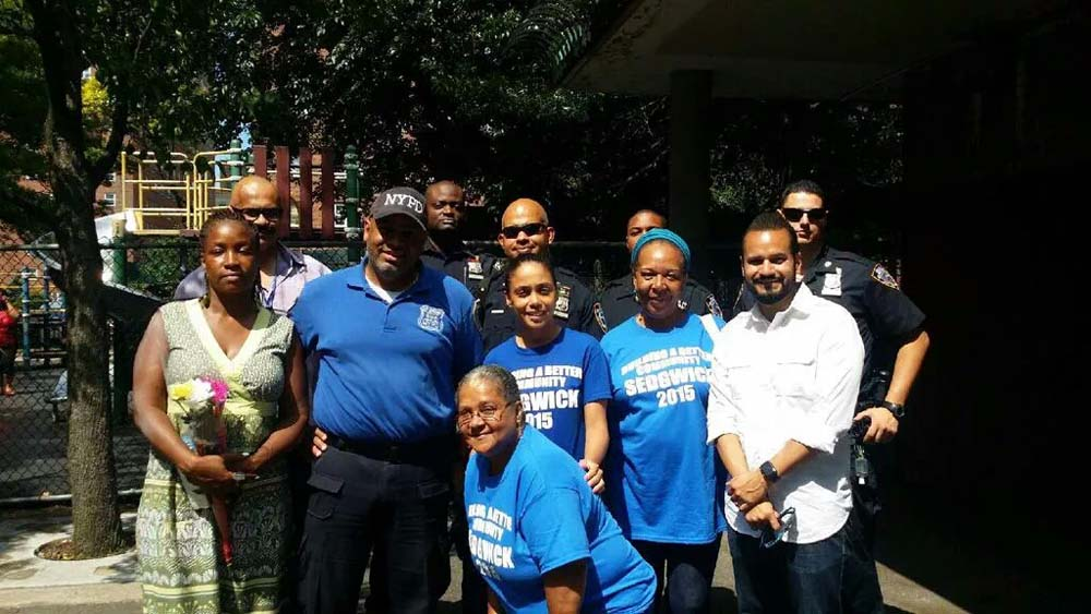 Assemblywoman Latoya Joyner enjoys Sedgwick Houses� Family Day with community.