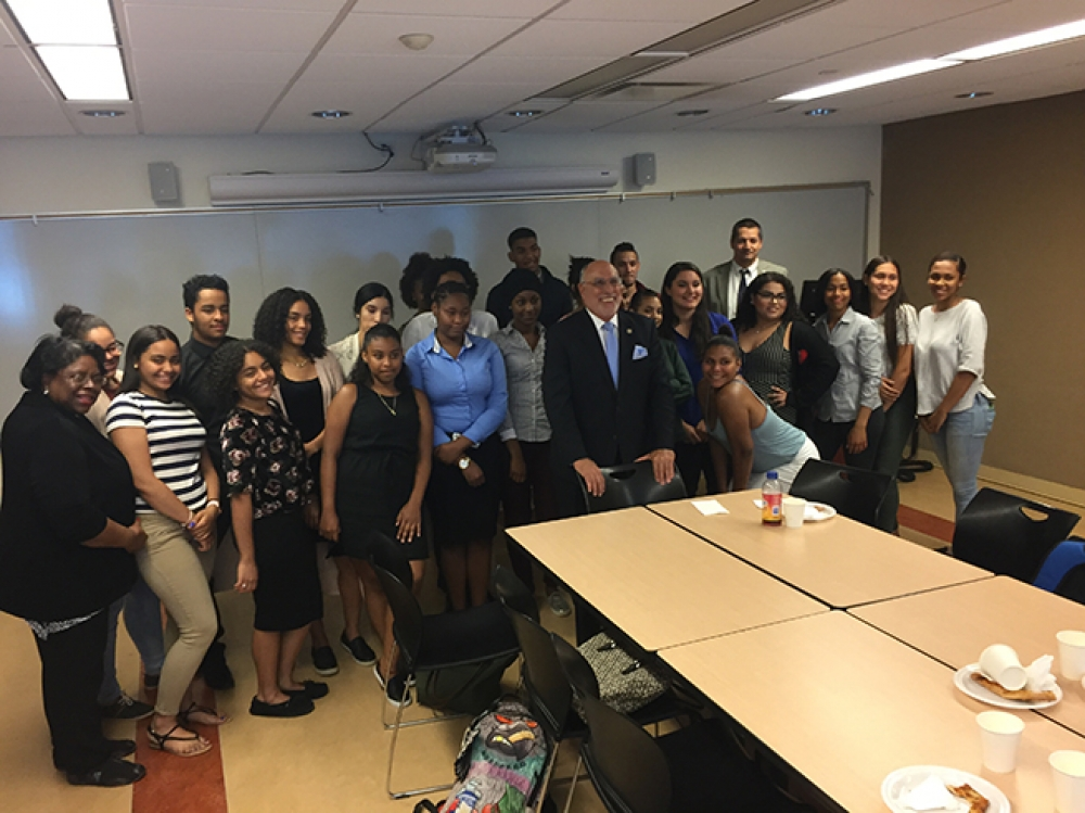 Assemblyman Michael Benedetto meets with students of Mercy College to discuss college accessibility, college courses, financial aid and student assistance as well as the importance of furthering education for their futures.<br />
