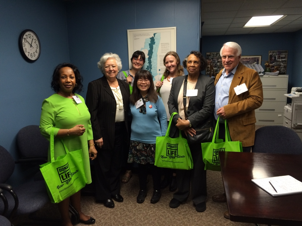 Advocates for organ donation from Donate Life came to visit Sandy in Albany in April, 2016.<br />
