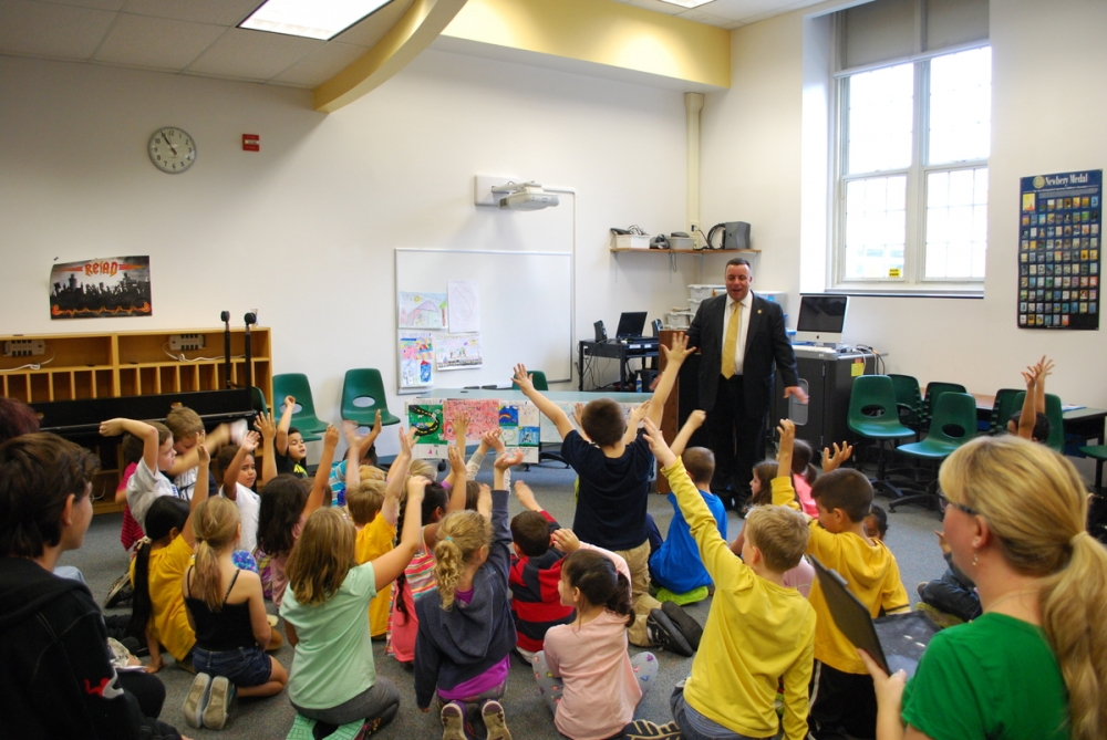 Assemblyman Karl Brabenec addresses students at Sloatsburg Elementary School.