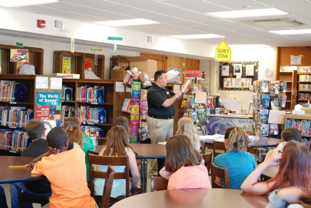 Assemblyman Karl Brabenec (R,TCN-Deerpark) urges students at Minisink Valley Intermediate School in Middletown to take the Assembly Summer Reading Challenge