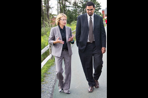 Aileen hosts a tour for State Education Commissioner John King at the Center for Discovery in Harris.