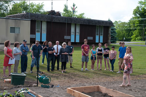 Assemblymember Didi at the Families Free Forward Community Farm to Pantry Project Planting Party on May 25th, 2012 in Pine Plains