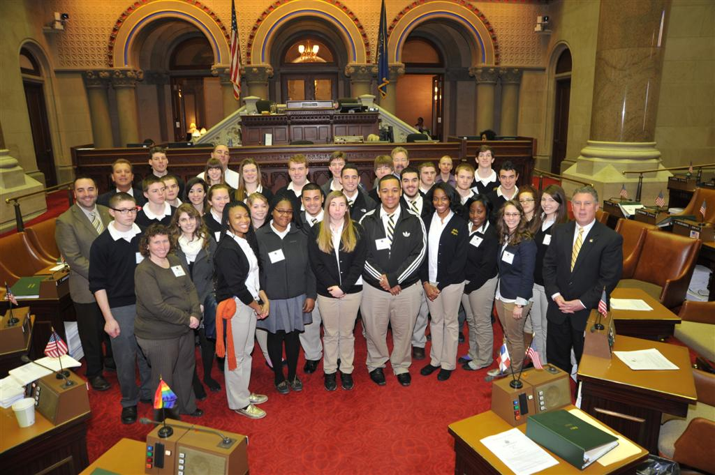 Assemblymember McDonald welcomes Bishop Maginn High School students to the Assembly Chambers.
