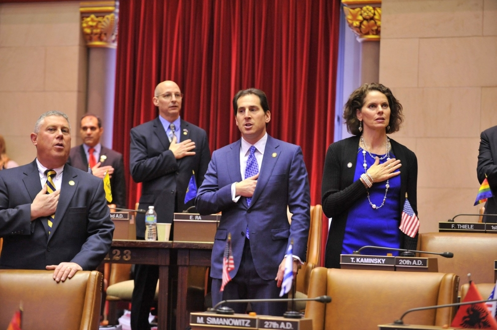 Assemblymember Fahy and her colleagues take the pledge at the beginning of the 2015 Session.