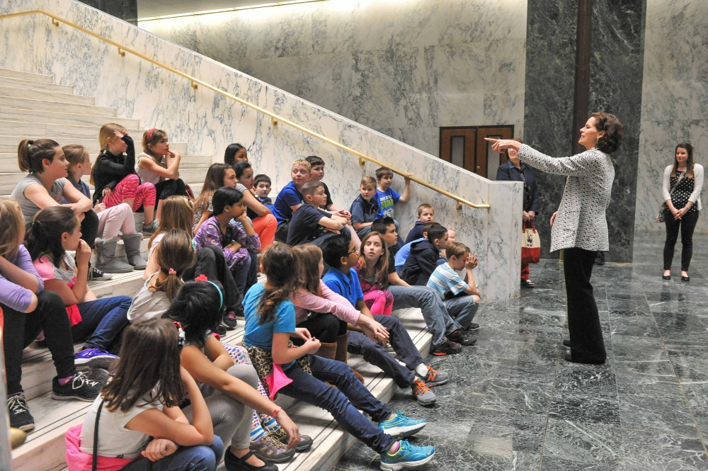 Assemblywoman Fahy meets with students from Glen Worden Elementary School during their spring trip to the Capitol.<br />