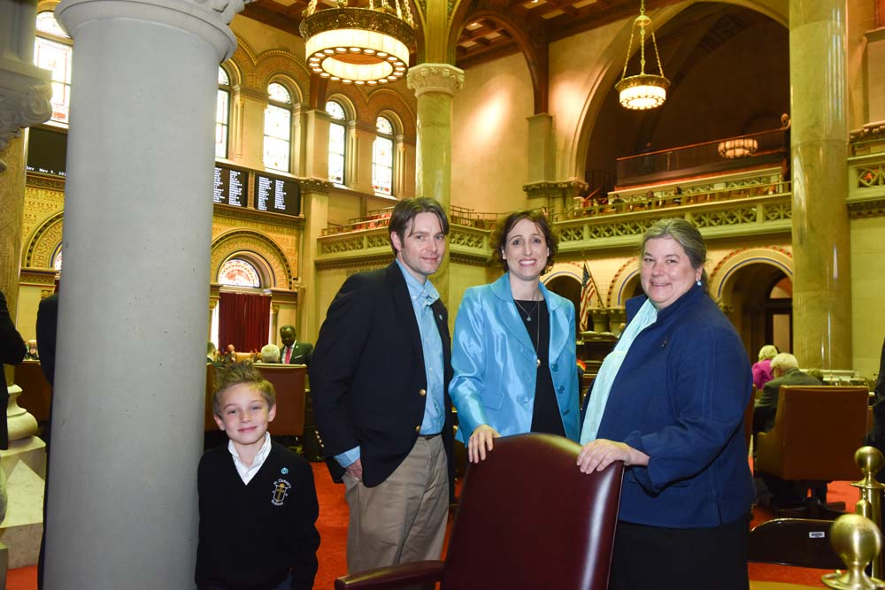 "Assemblywoman Woerner meets with Laura Greco and her family following the passage of a resolution proclaiming May 8-14, 2016 as Women�s Lung Health Week in New York State (<a href=""/leg/?bn=K.1293&term=2015"" target=""blank"">K.1293</a>)."