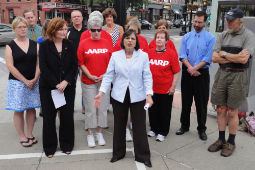July 7, 2011 � Assemblywoman Lupardo is joined by representatives from AARP, the City of Binghamton and Sierra Club to announce the passage of the Complete Streets bill she cosponsored.
