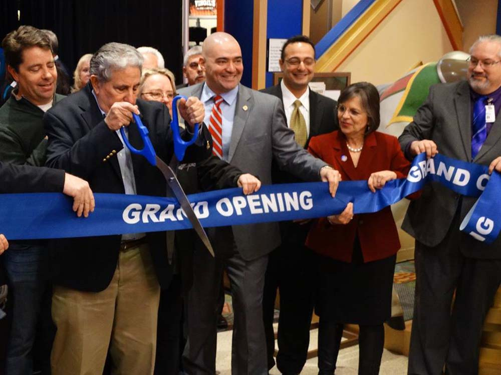 December 2, 2016 - Assemblywoman Lupardo helps cut the ribbon at Tioga Downs Casino in Nichols, the first New York State casino to open its doors.<br />