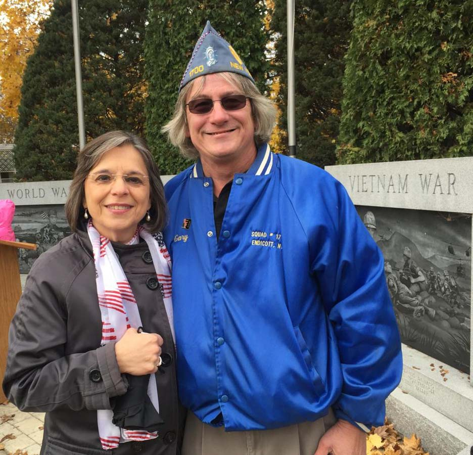 November 11, 2016 – Assemblywoman Lupardo visits the Endicott Veterans Memorial to celebrate Veterans Day.<br />