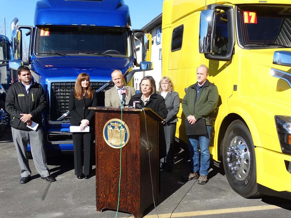 November 4, 2016 – Assemblywoman Lupardo joins trucking companies at Burr Trucks in Vestal to encourage the Governor to sign a bill she introduced that would ensure fair contracts for motor carriers.<br />