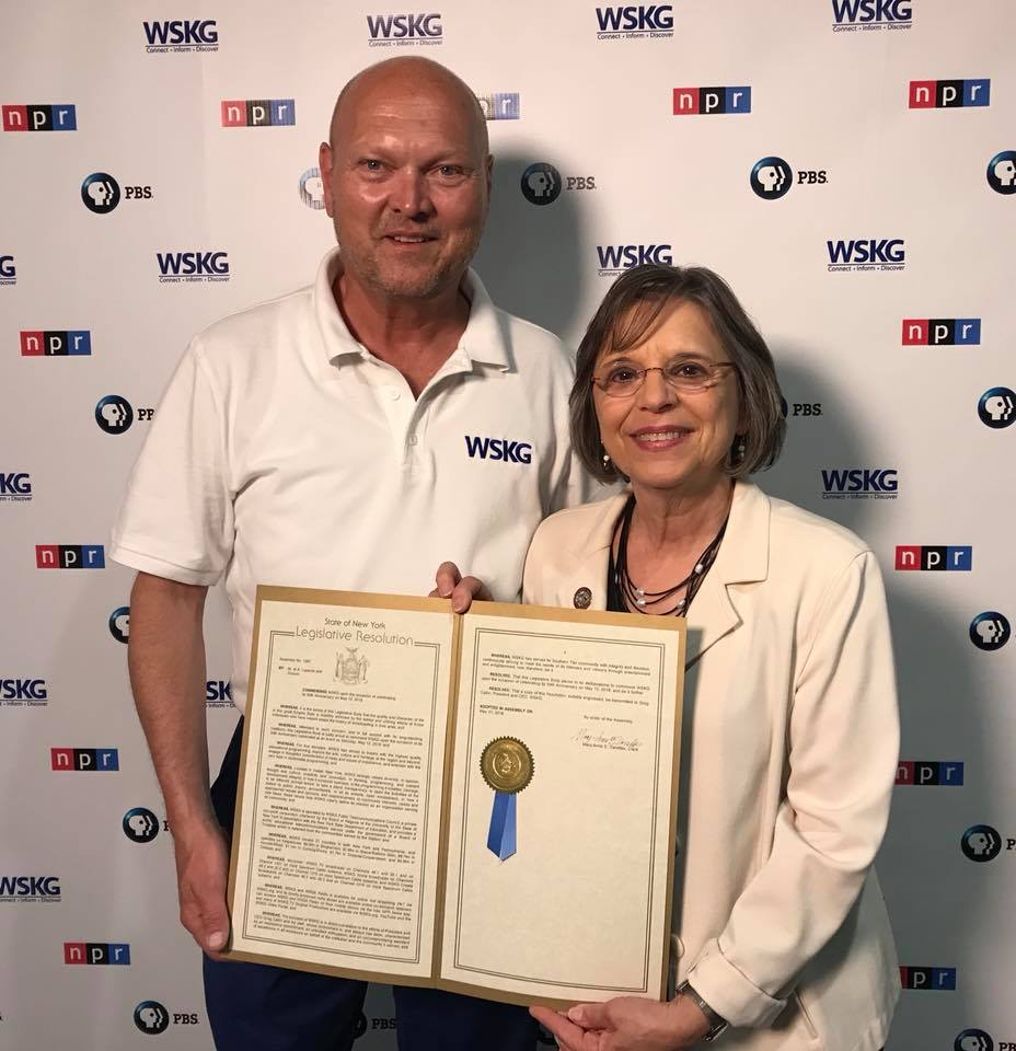 June 9, 2018 – Assemblywoman Lupardo presents an Assembly resolution recognizing the 50th anniversary of WSKG Public Media to WSKG's CEO Greg Catlin.