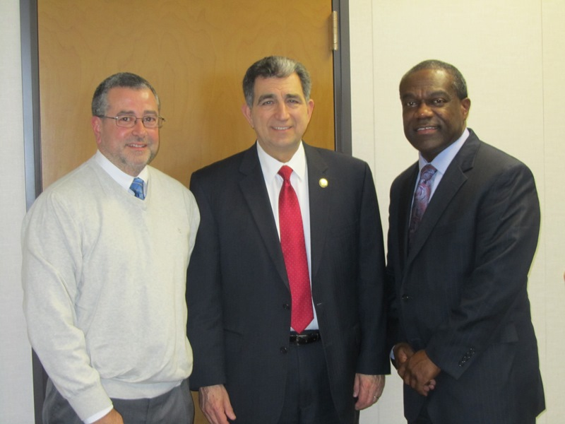 Assemblyman Bill Magnarelli met with Executive Director Bill Simmons and Assistant Director Dave Paccone of the Syracuse Housing Authority. They discussed a variety of issues affecting the Authority and its residents. The Authority owns or manages fifteen residential developments in the Syracuse Community, with more than 2,500 apartments.<br />